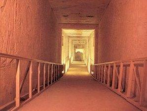 Corredor tumba Ramsés II, valle de los reyes
