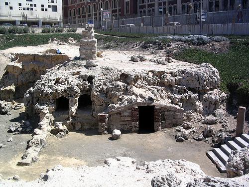 Antiguas tumbas de Alejandría