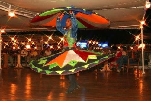 Bailes y tradicion en el Centro Cultural Nubio
