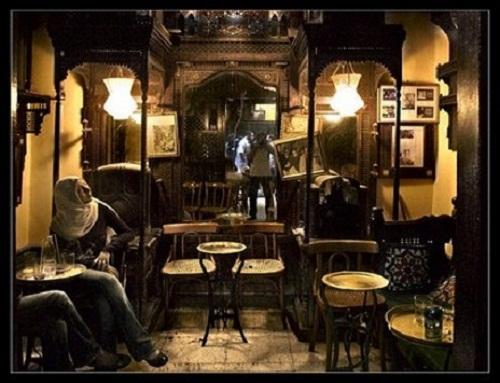 El momento del café en El Cairo