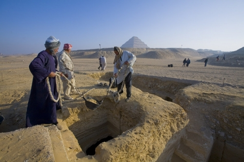Hallan tumbas de 2.500 años de antigüedad en Saqqara