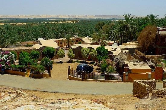 Cosas que hacer en Bawiti, recorrido histórico
